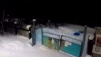 Photo of Житель Иркутска катаясь на тюбе попал под колёса